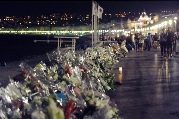 Les hommages après l'attentat de Nice, le 14 juillet.