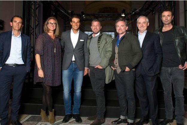 Parmi les amis du nouveau Roland-Garros  (de g. à dr.) : A. Bompard, M. Pierce, R. Nadal, J. Bungert, O. Mathiot, F. Pérol et V. Robert.