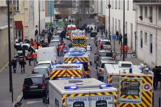 """Sur les lieux de l'attaque contre """"Charlie Hebdo"""", mercredi 7 janvier. Frédéric Boisseau a été le premier abattu par les terroristes."""