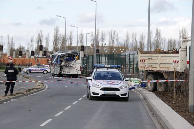 L'accident de car à Rochefort, le 11 février 2016.