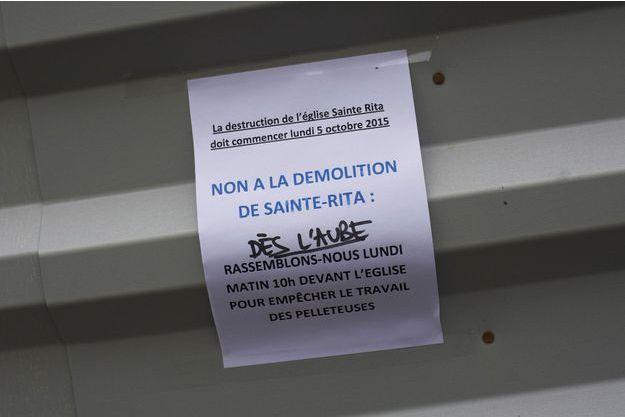 [Image: L-eglise-Sainte-Rita-evacuee-a-Paris-la-...dignee.jpg]