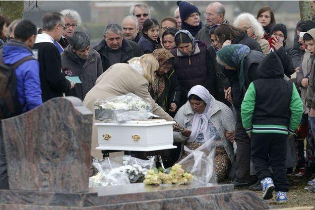 L'enterrement du bébé avait finalement eu lieu à Wissous (Essonne).