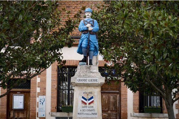 Un monument hommage aux poilus, à Saint-Léon (image d'illustration).