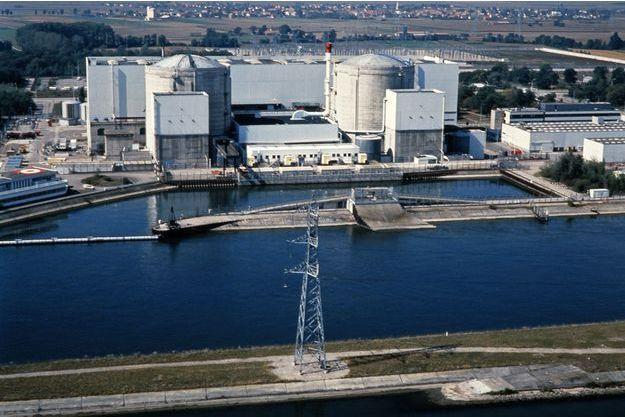 La centrale de Fessenheim en 1990.