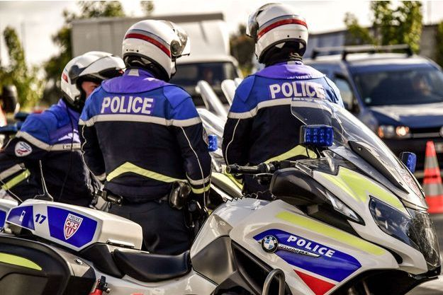 Policiers à la frontière franco-belge, illustration.