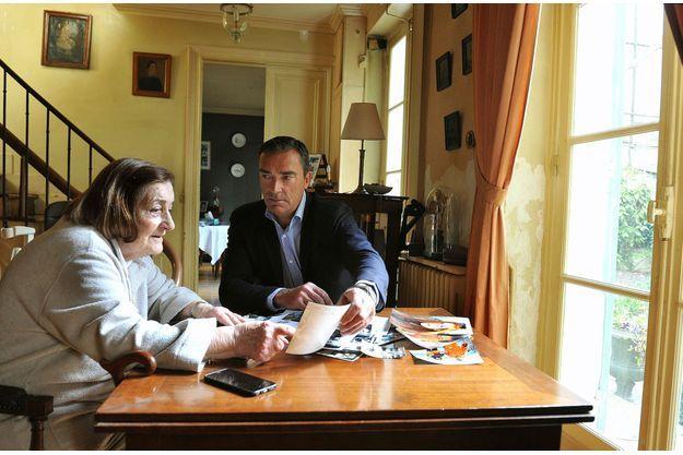 Anne-Marie Arthaud et son fils Hubert. La mère de Florence ne sort plus de sa maison de la rue de la Tour, dans le XVIe arrondissement de Paris.