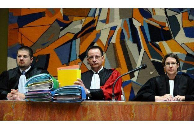 Au centre, le président du tribunal, Pierre Hovaere.
