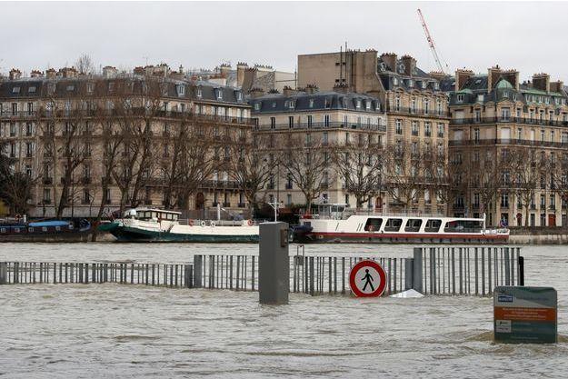 Il faut encore rester prudent aux abords de la Seine, toujours en crue.