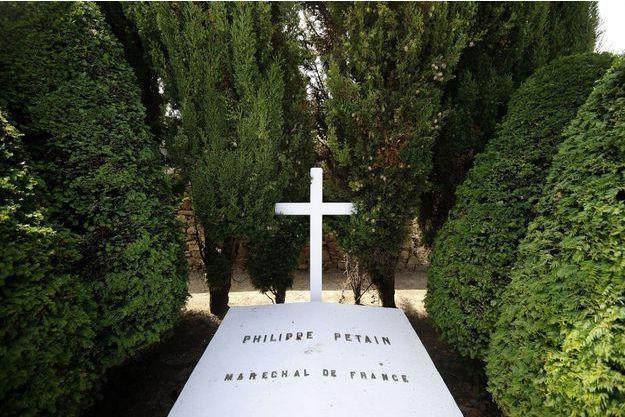 La tombe du Maréchal Pétain sur l'ile d'Yeu.