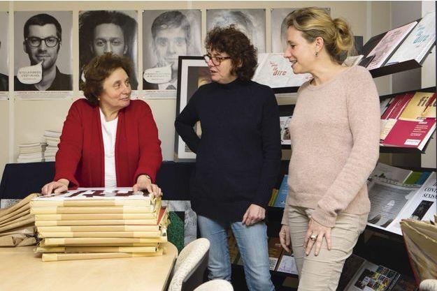 Avec son équipe, Ernestine Ronai (à g.), de l'Observatoire des violences envers les femmes.