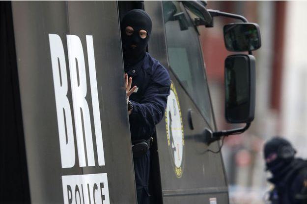 Des policiers de la BRI