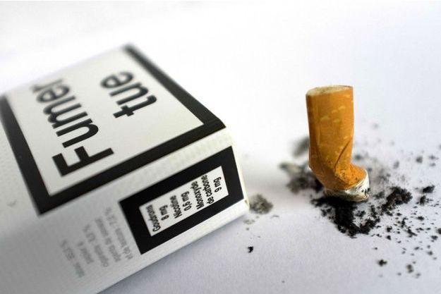 """Les industriels du tabac sont prêts à se battre contre le paquet neutre, dont ils estiment qu'il les """"prive de leurs marques""""."""