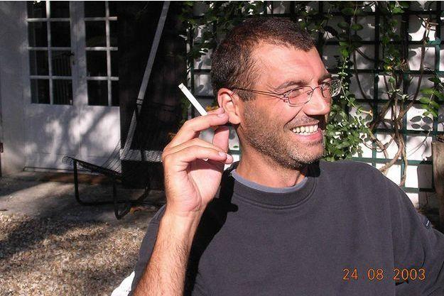 Souriant et sûr de lui en août 2003, dans la propriété de Nantes où la famille vient d'emménager.