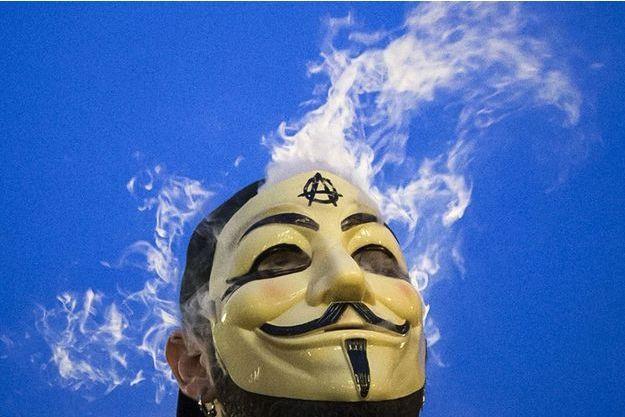 Le masque du Guy Fawkes, symbole des Anonymous.