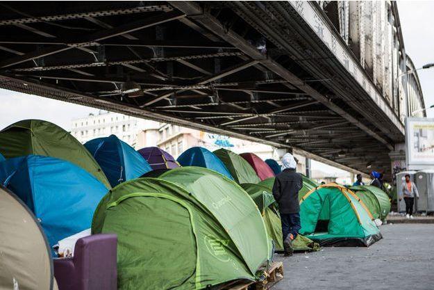 Le camp de migrants Porte de la Chapelle