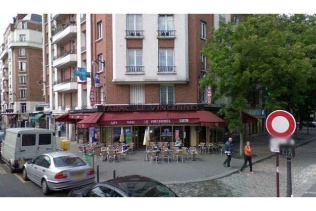 Le café Vincennes, au pied de l'immeuble où vit la famille de la fillette
