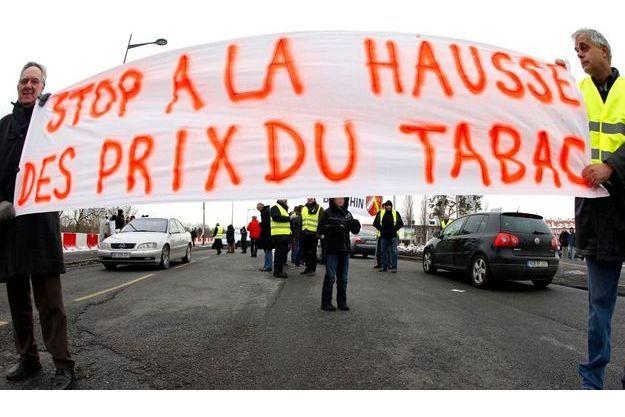 Manifestations de buralistes de Strasbourg, contre la hausse du prix du tabac, en 2010.