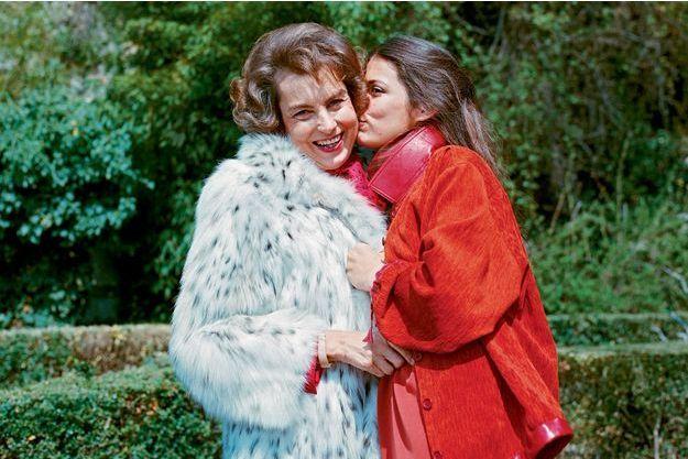 Dans sa propriété de Neuilly-sur-Seine, avec sa fille unique. Avec Françoise, elles se sont aimées, déchirées et réconciliées.