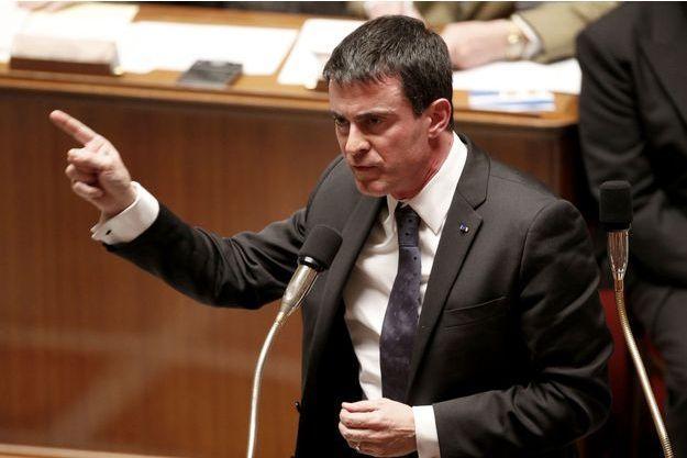 Le Premier ministre Manuel Valls a annoncé la création d'un groupe de travail sur les autoroutes (photographié le 9 décembre à l'Assemblée nationale).