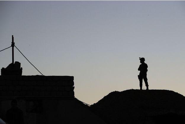 Un soldat en Irak. Image d'illustration.