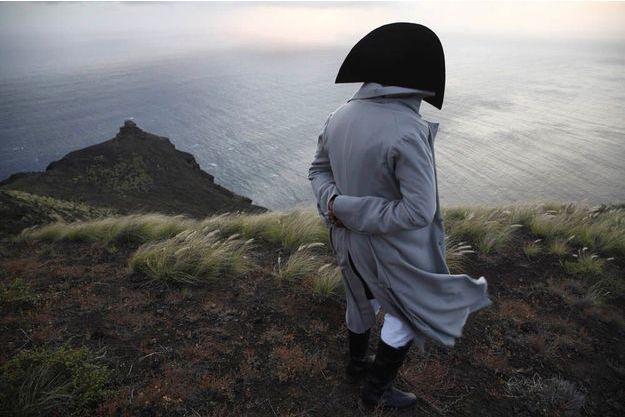 Octobre 2015. Brumes froides et vents violents enveloppent l'île comme au temps de l'Empereur.