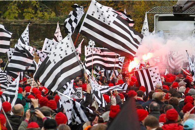 """La manifestation des """"bonnets rouges"""" bretons samedi à Carhaix."""