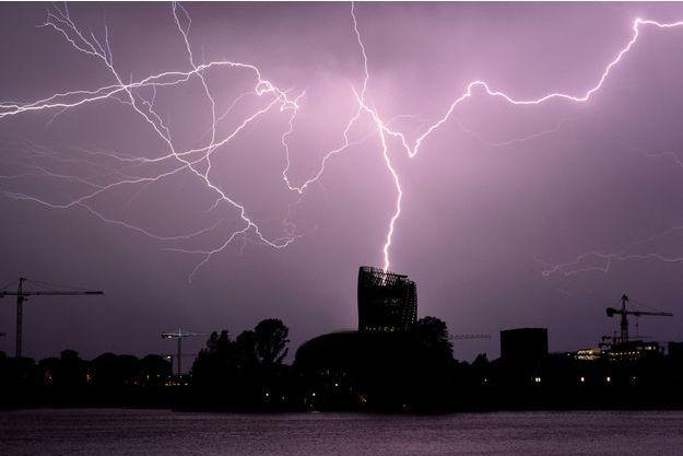 Un orage à Bordeaux le 18 juillet.