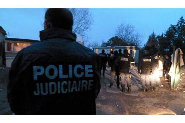 Arrestations dans un camp de Roms à Montpellier en 2010, dans le cadre de l'affaire Hamidovic.