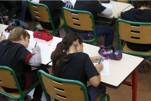 Des élèves pendant la dictée ELA, en octobre 2015 (image d'illustration).