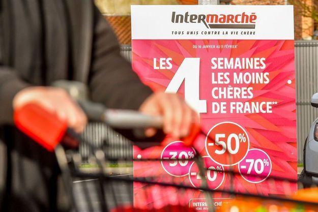 Une affiche pour la campagne de promotions d'Intermarché, le 1er février 2018 à Bailleul, dans le Nord.
