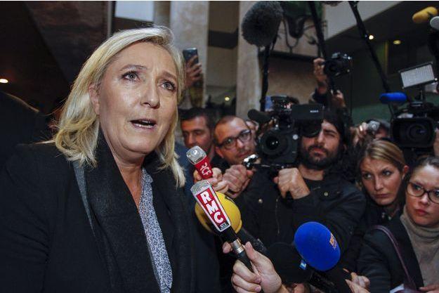 Marine Le Pen quittant le palais de Justice de Lyon