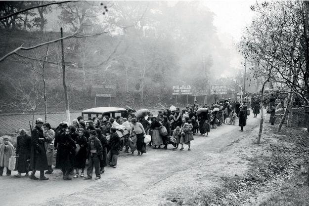 Uniquement des femmes et des enfants. Le 26 janvier 1939, la Catalogne tombe aux mains des franquistes; 450 000 Espagnols marchent vers la France.