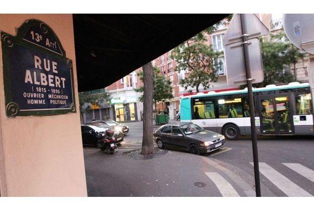 Un jeune s'est fait frapper au coin de la rue de Tolbiac et de la Rue Albert dans le 13eme.