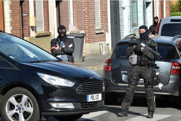 Les forces anti-terroristes sont intervenues pour interpeller un homme de 42 ans.