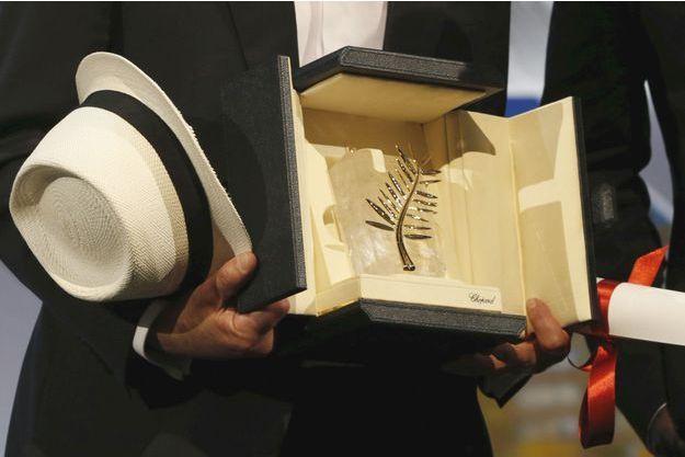 La Palme d'or dans les mains de Jacques Audiard, en mai dernier.