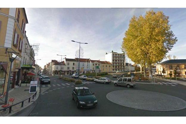 place de la gare à Vichy.