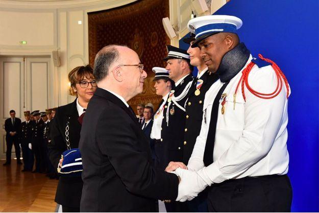 Kevin Philippy a été décoré de la médaille d'or de la sécurité intérieure par Bernard Cazeneuve samedi.