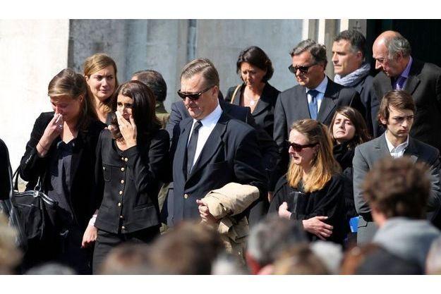 Les proches de la famille Dupont de Ligonnès, lors des funérailles d'Agnès et des enfants