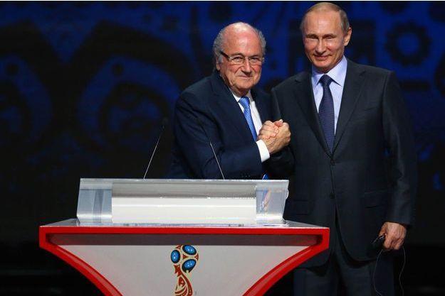 Sepp Blatter et Vladimir Poutine le 25 juillet 2015.