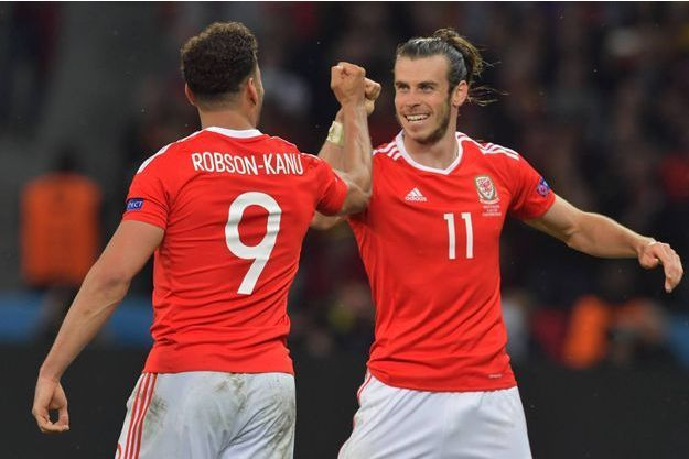 Robson-Kanu et Bale aux anges