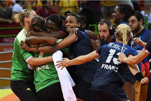 Les Françaises exultent au coup de sifflet final