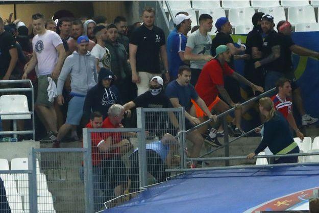 Les supporters russes au Stade Vélodrome.