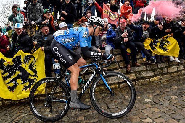 Michael Gollaerts sur le Tour des Flandres le 1er avril.