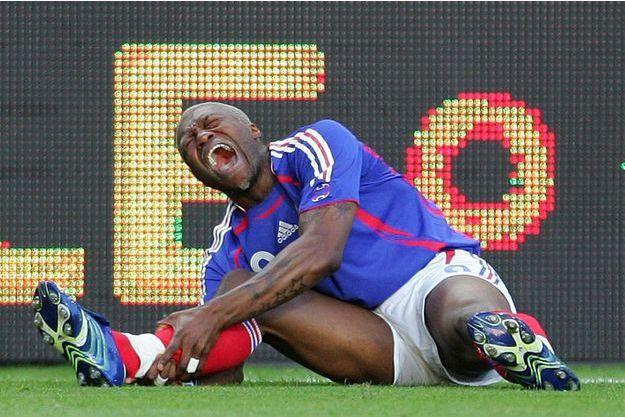 Djibril Cissé a été victime d'une fracture tibia-péroné de la jambe droite en 2006.