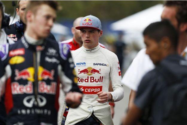 Max Verstappen sur le circuit de Melbourne, samedi, après les séances de qualification.