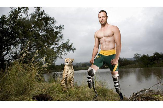 Il a baptisé ses prothèses de course « cheetah », guépard. Près de Pretoria, Oscar Pistorius se confronte à l'animal le plus rapide du monde avant d'affronter les meilleurs coureurs de la planète.