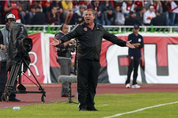 Rolland Courbis a démissionné de son poste d'entraîneur de Montpellier.