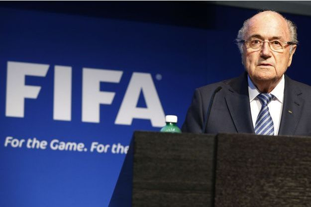 Sepp Blatter annonçant mardi sa démission de la présidence de la Fifa.