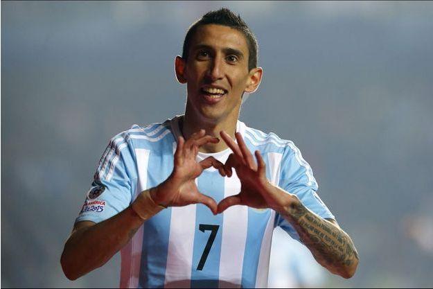 En 2014, il était le meilleur joueur de l'équipe d'Argentine finaliste de la Coupe du Monde avant de se blesser.