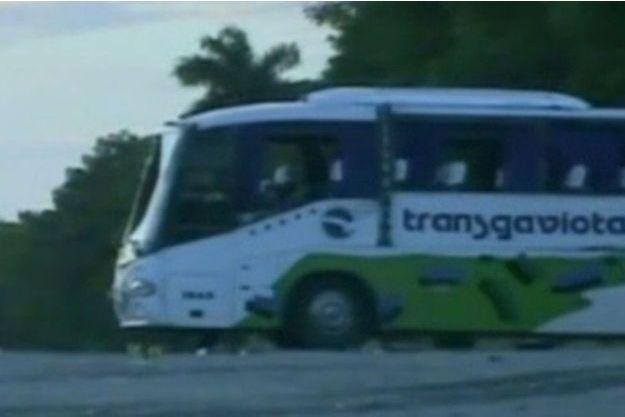 Tous les passagers du car ont été blessés.